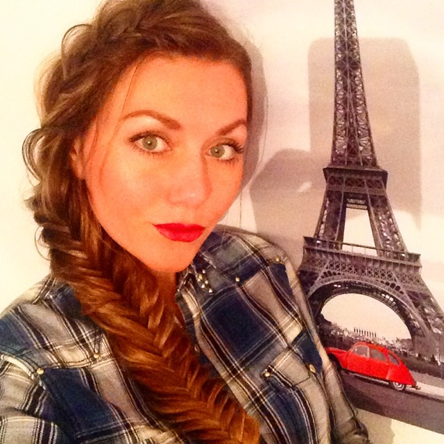 Take me to Paris ❤️ #hairoftheday#photooftheday#instabraids#instahair#braids#frenchbraid#fishtailbraid#natural#nofilter#paris#instatravel#instainspiration#instawow#prexmas#goodday#goodvibes#happygal#fashionblogger#fashionblogger_de#fashioncandy#fashionlover#blondegirl#instablonde#myguess#manhattan#j#kisses#ootd